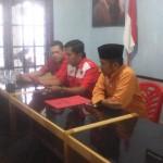 H.Darnil Saat Mendaftar sebagai Calon Walikota Pekanbaru di Kantor DPC PDI Perjuangan (foto.Kel)