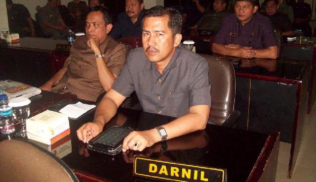 Ketua Fraksi Hanura Kota H.Darnil SH