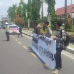 Massa HMI-P Demo Polda Riau
