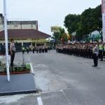 Kapolresta Pekanbaru Memimpin Ape Siaga Operasi Simpatik 2016 di Halaman Polresta. (foto.humas)