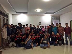 Pengurus PNBR Tampan dan Rumbai Berfoto Bersama Ketua PNBR Kota Bambang Suhariadi. (foto.sar)