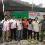 Ketua MAHALI Riau dan Ketua ICMI Muda Pekanbaru beserta Pengurus Foto bersama di Depan kantor ICMI Muda. (foto.iin)