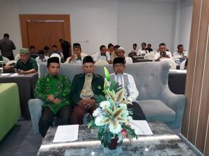 foto : Ketua dpw pbb riau, bersama pemateri drs.h. mukni (foto : Haluanpos.com)