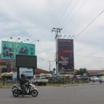 Terlihat Bilbord Iklan Rokok di Jl Protokol simpang Pasar Pagi Arengka. (foto:sk)