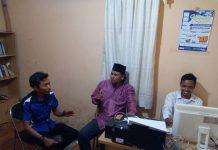 Ketua PJI Riau berdiskusi Bersama Pimred