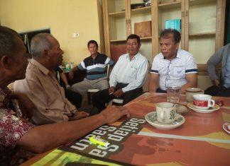 Nursal Tanjung Sedang Diskusi bersama pengurus KSPSI, (foto:dion)