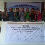 Foto Bersama usai Penandatangan Petisi