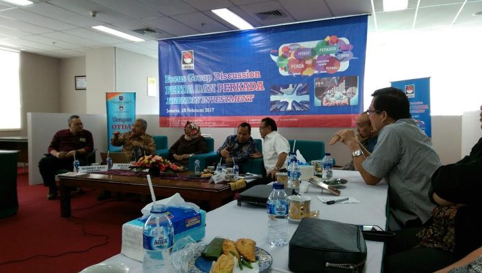 Foto:Bupati menjadi Narasumbe Group Discussion Perda dan Perkada Friendly Investment