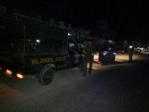 Petugas WH Razia Pedangang Berjualan Saat Tarawih Berlangsung