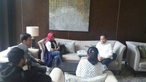 Bupati Meranti Berbincang ringan dengan Media Tempo