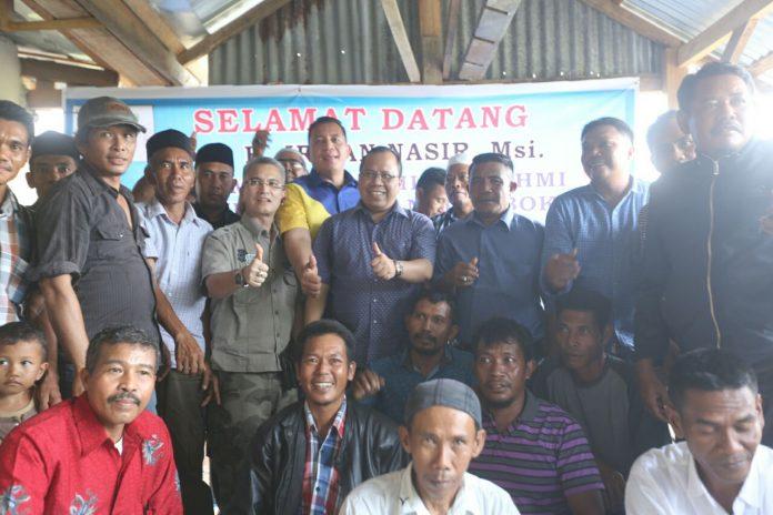 H Irwan Nasir Calon Gubernur Riau Foto Bersama dengan Keluarga Ikatan Lombok Riau