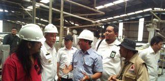 Wakil Bupati Said hasyim mendengarkan Arahan dari Staf Ahli Kementerian PMK.