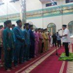 Sekda Meranti Sedang Melantik Pemuda dan Remaja Masjid