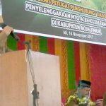 SAMBUTAN: Sekda Kabupaten Aceh Timur, M. Ikhsan Ahyat, menyampaikan sambutan pada Bimtek Penghubung atau Liaison Officer (LO) di Aula SKB Aceh Timur di Idi, Selasa 14 Nopember 2017. Foto: Istimewa.