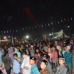 ARENA UTAMA: Ribuan pengunjung dari berbagai daerah memadati Arena Utama pelaksanaan MTQ XXXIII Aceh Tahun 2017, Rabu 22 Nopember 2017, malam. Foto: Panitia MTQ XXXIII Aceh