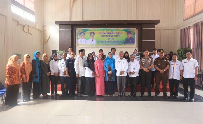 Wakil Bupati Berfoto Bersama Pengurus yang baru di Lantik