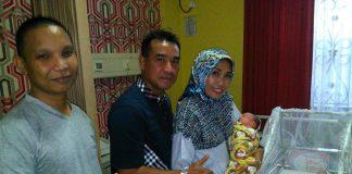 Wakapolresta Pekanbaru ketika Mengunjungi Bayi Alvi di RS