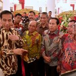 Tampak Bupati Harris Berbincang bersama Presiden Jokowi Dodo