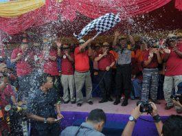 Bupati Irwan Nasir dan Asisten I Sekdaprov membuka festival Prang Air di Selatpanjang