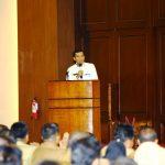 Walikota Pekanbaru H Firdaus ST MT sedang menyampaikan Materi dihadapan ratusan Camat, luran, RT/RW dan Forum