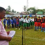 Ashadi, SE, MM Kepala Disparpora Kabupaten Aceh Timur menyampaikan sambutan dan arahan pada pembukaan turnamen Pra-Kualifikasi Aqua DanoneNation Cup Tahun 2018, dilapangan Mon Sikureung Idi, Kabupaten Aceh Timur, Sabtu 10 Maret 2018. Foto Bagian Humas Aceh Timur.