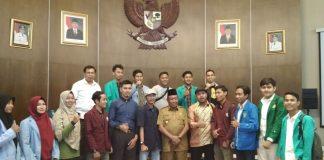 Plt Gubri foto bersama Aktivis Mahasiswa