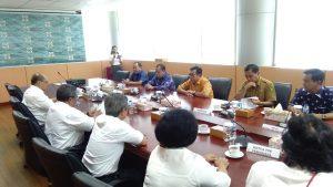 Bupati, sekda saat bersama kepala BPK RI Riau di kantor BPK RI Riau