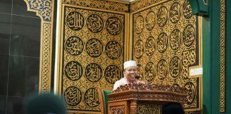 Bupati Irwan saat menyampaikan Sambutan Safari Ramadan perdana