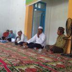 KH. Abdurrahman didampingi Sekretaris Ittihadul Muballighin Saat Memberikan Sambutan