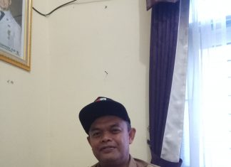 Lurah Tuah Madani Syafrianto S. Pd