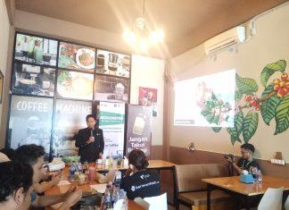 Ali Bastoni Pimpinan Cabang Dompet Dhuafa saat menyampaikan Program DD.