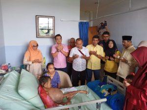 Ketua DPD II Partai Golkar Kota Pekanbaru, Sahril SH dan Fraksi Partai Golkar DPRD Kota Pekanbaru melaksanakan doa bersama