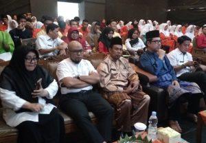Ratusan siswa-siswi menghadiri acara Dialog Budaya Melayu yang ditaja oleh Dinas Kebudayaan Provinsi Riau