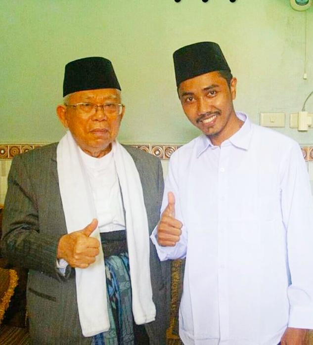 (Photo Istimewa) : Wapres RI Prof KH Ma'ruf Amin Bersama Wakil Panglima PADAN (Pasukan Dewan Adat Nasional) Provinsi Riau Datuk Sarwan, S.Ud